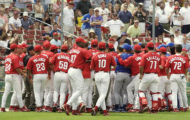 phillies jays scrum.jpg